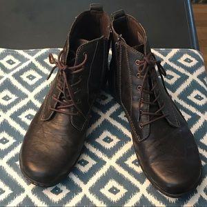 Women's Clark's booties size 9.5
